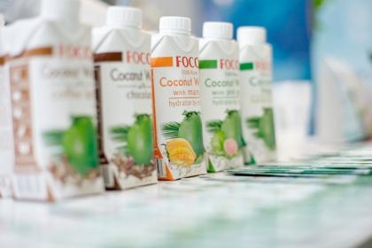 Органическая кокосовая вода Foco, без сахара
