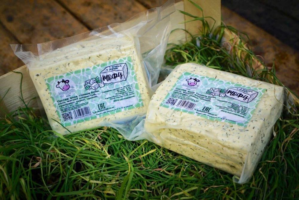 Тофу с чесноком и зеленью Mallakto, 400гр.